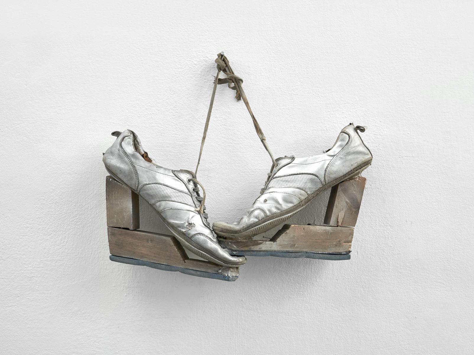 ACTUS PURUS / Urgent need to be on heels / 2016 / 52 x 41 x 8 cm / trainers, wood, pouliretan foam