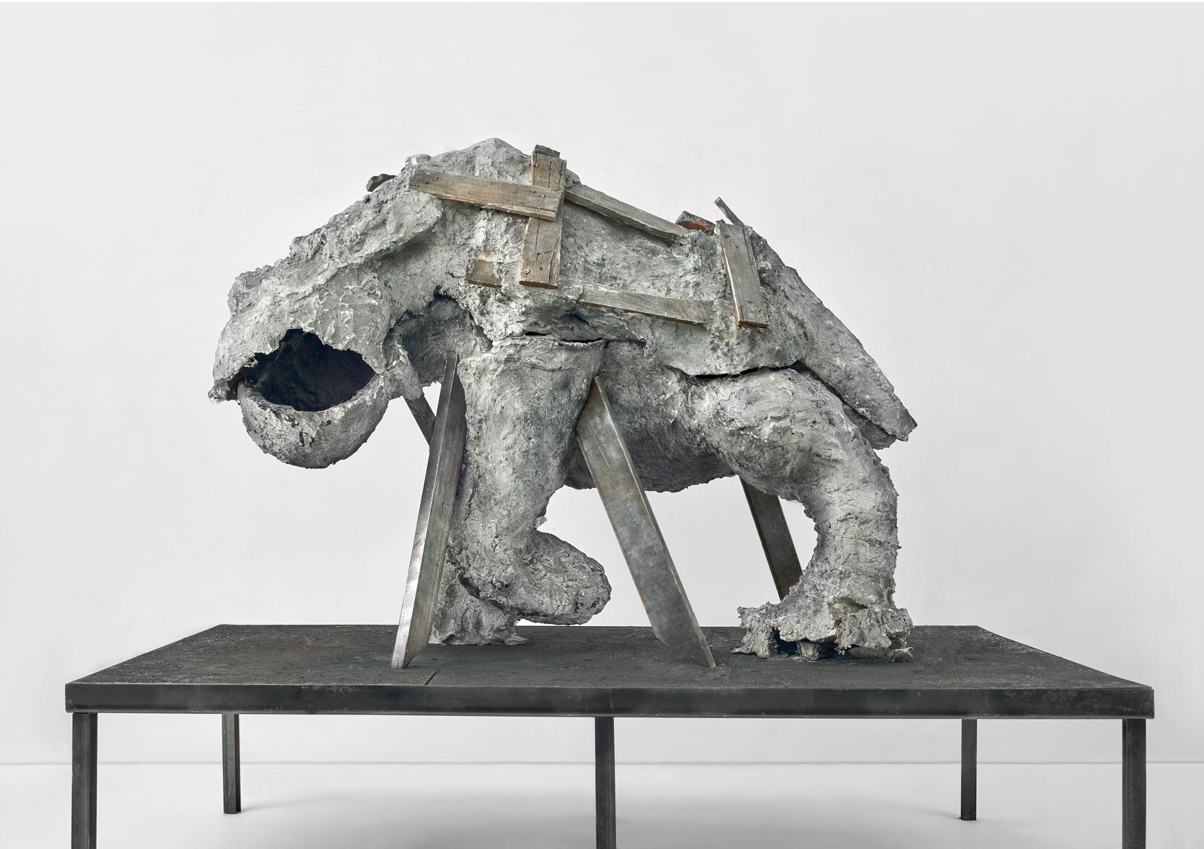ACTUS PURUS / Animal / 2016 / 200 x 130 x 100 cm / wood, plaster, steel, soil